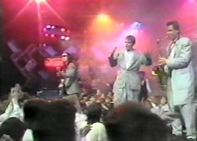 Madness TV The Sweetest Girl Razz Christmas Special Razzmatazz 1985 ITV Suggs Carl Smyth Cathal Chas Smash Chris Chrissy Boy Foreman Scritti Politti